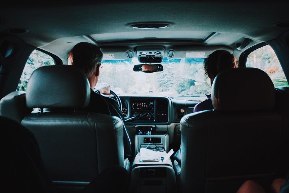 Quels sont les documents obligatoires à posséder pour voyager en voiture ?